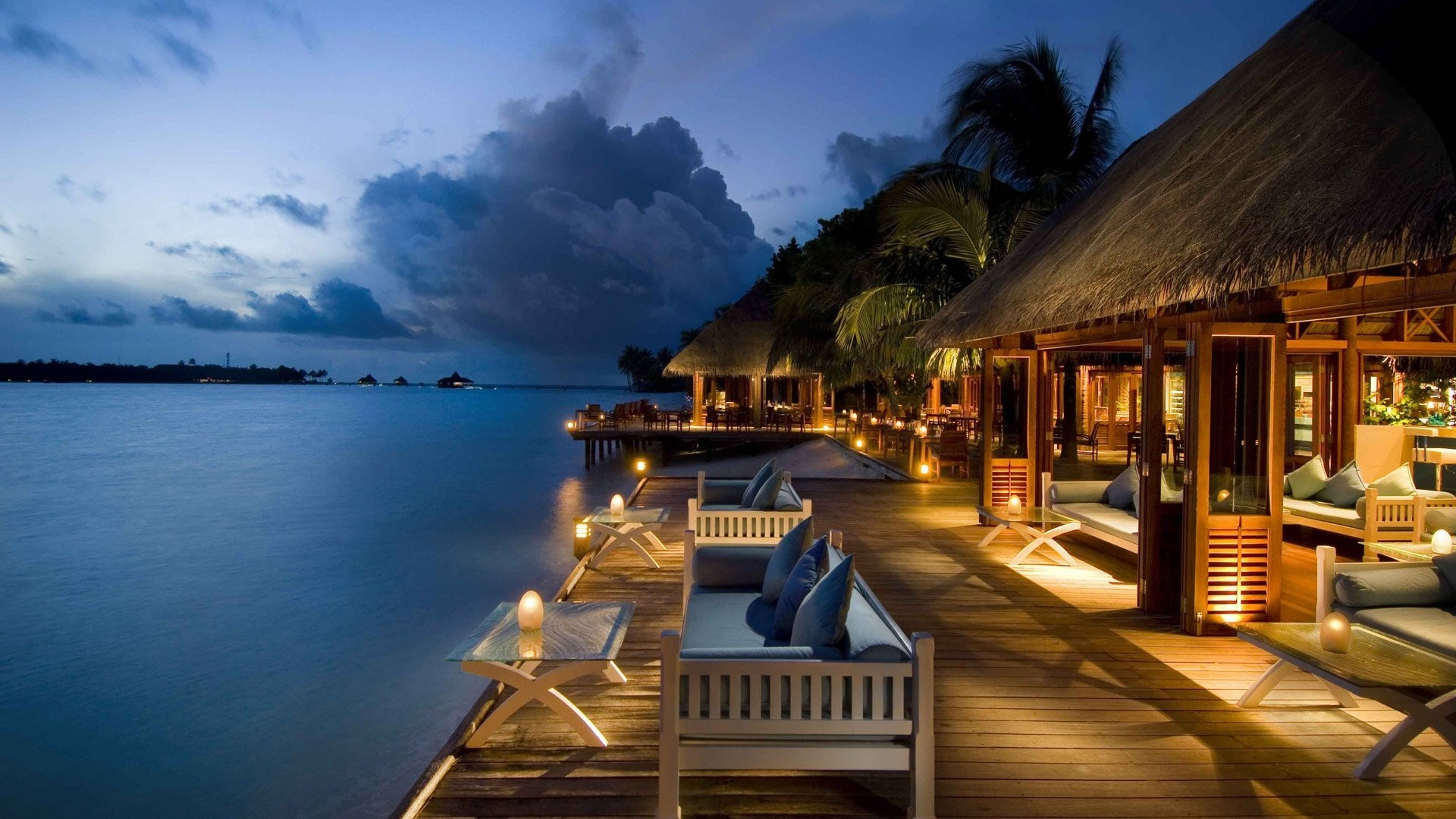 Baros Maldives 5*, Мале